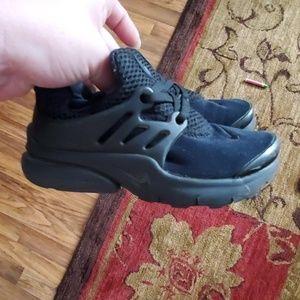 Size 10c Nike Presto girls